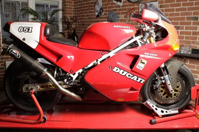 6-Ducati 851_2