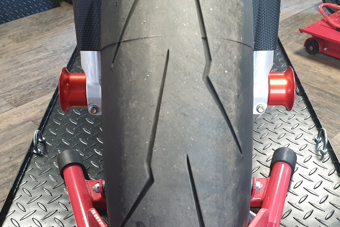RSV4_axle _sliders