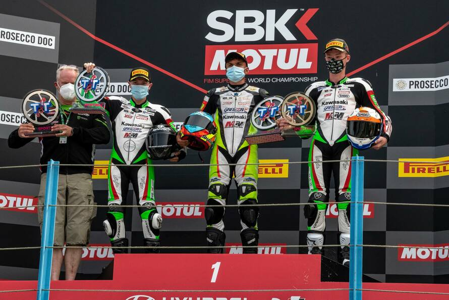 MTM Kawasaki získalo 1-2-3 místo World SSP300 v Assenu