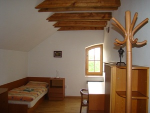 Spodní ubytování pokoj.JPG