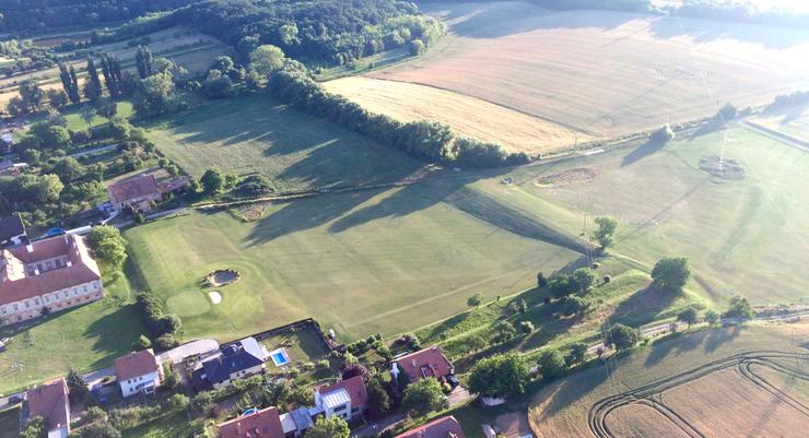 Driving range a hřiště v Pršticích