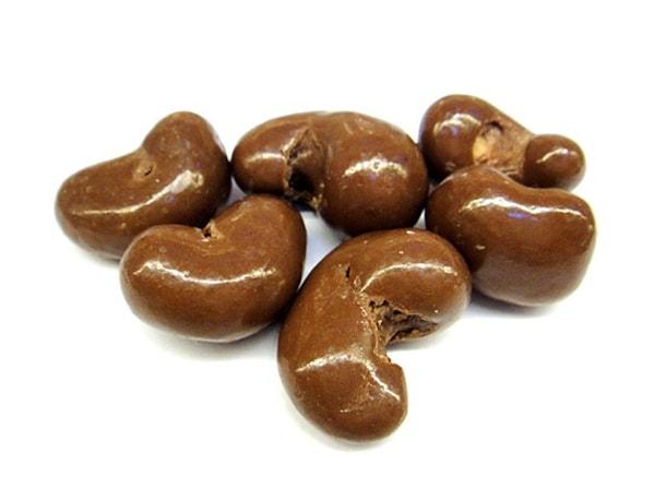 Kešu v mléčné čokoládě