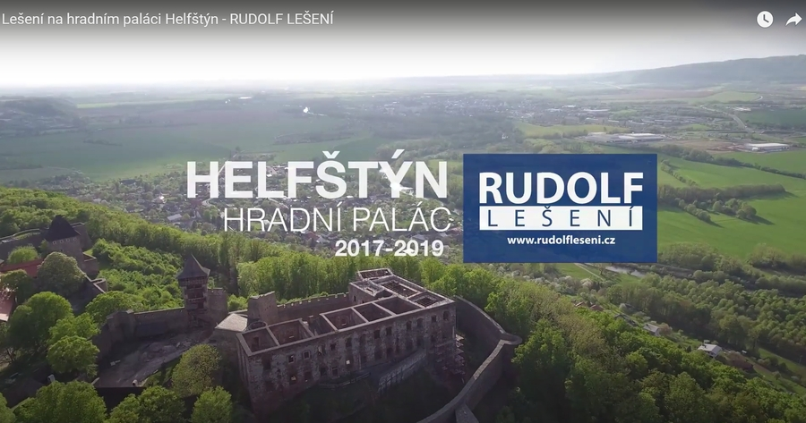 Lešení na hradním paláci (2020, Rudolf lešení)