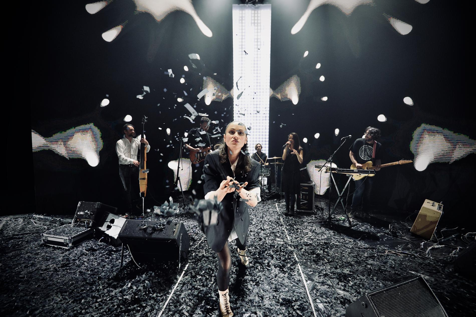 KONCERT: LENKA DUSILOVÁ feat KVĚTY