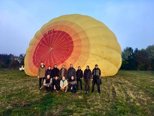 před startem balónu