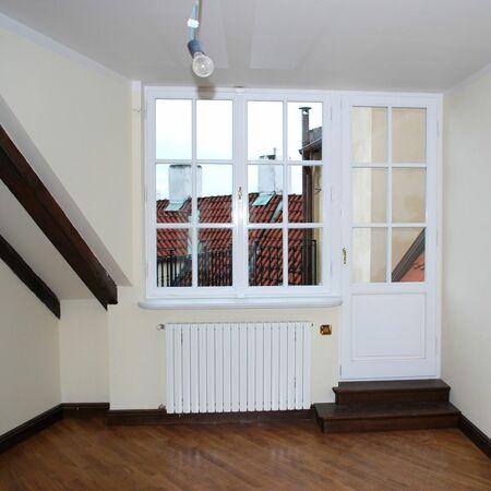 Interiér s rekonstruovanými okny a dveřmi