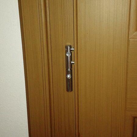 Závěs bez krytky na interiérových dveřích
