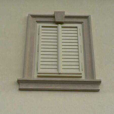 Detail okna zámečku