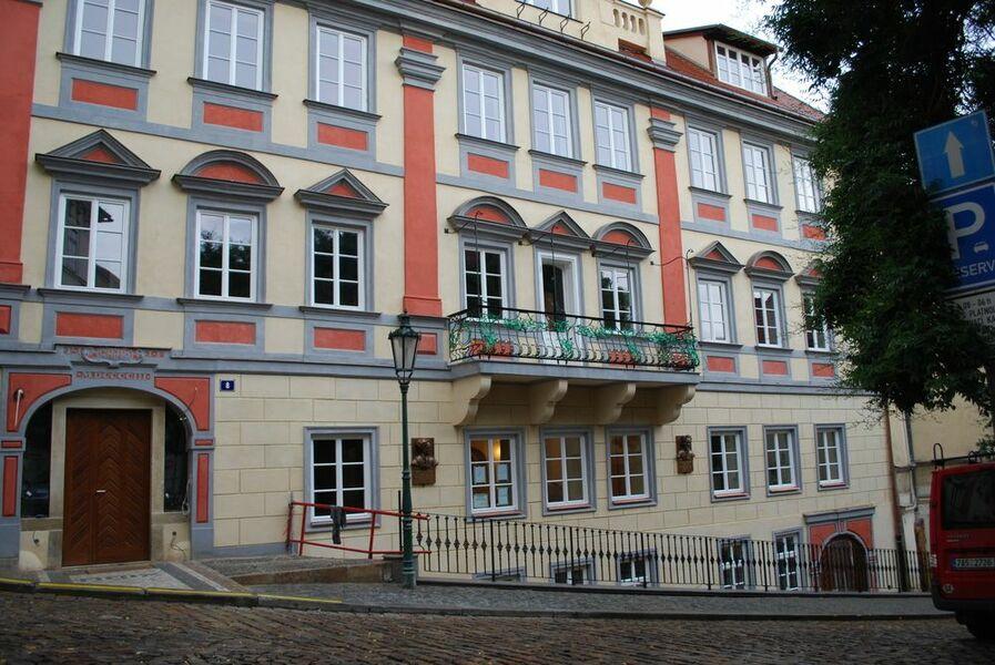 Bytový dům Sněmovní 8 Praha