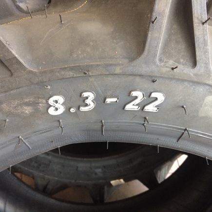 """Pneu 8,3-22"""""""