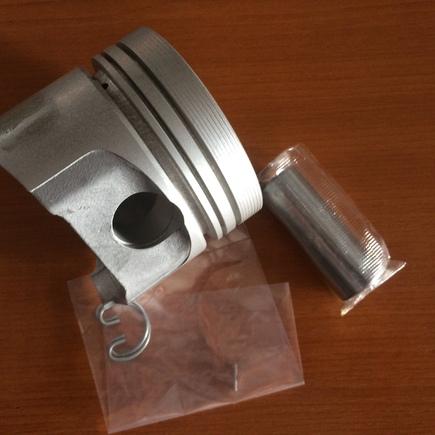 Sada pístů s kroužky D950- 0,50