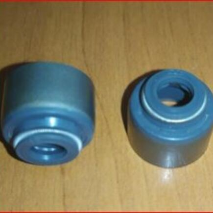 Gufero ventilů Kubota L1801, B6000, Iseki TU185